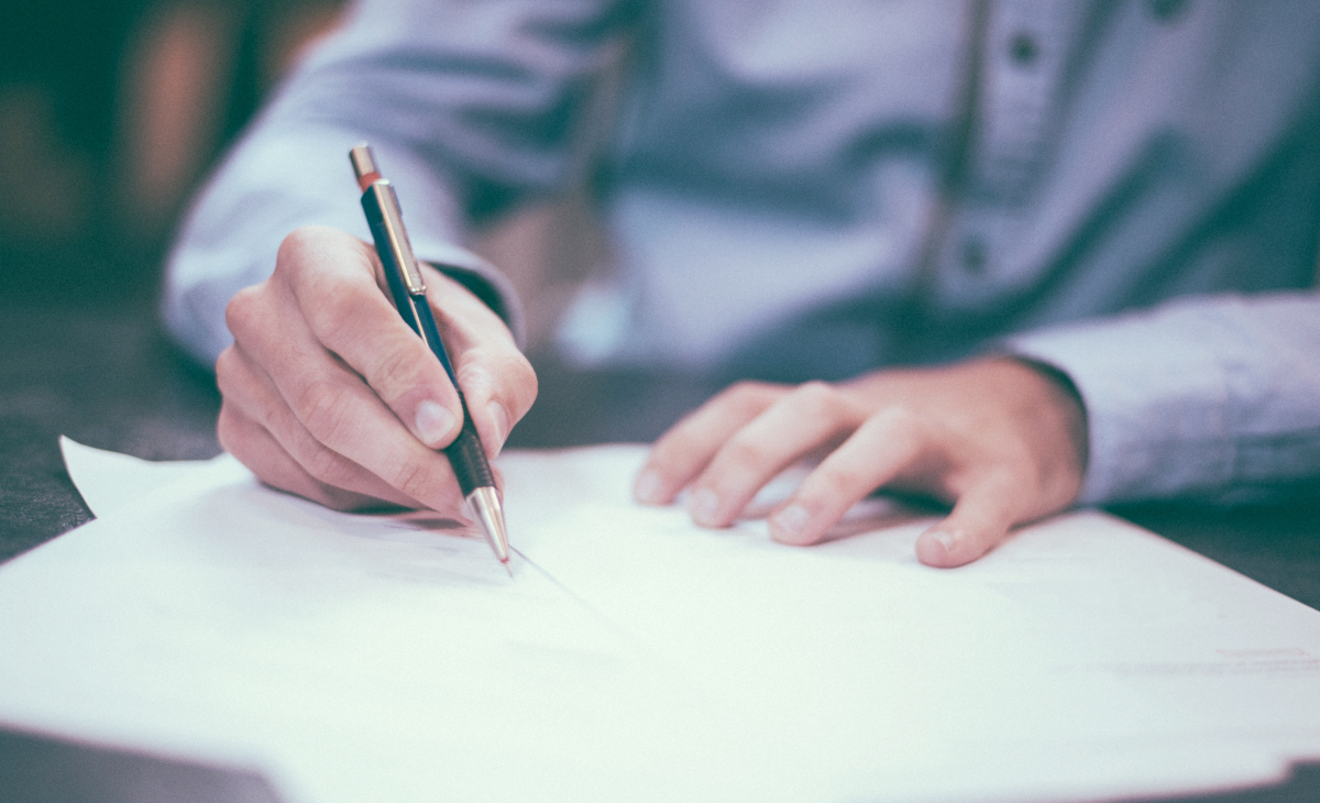 Testing employees with a pen and paper instead of using an online test maker